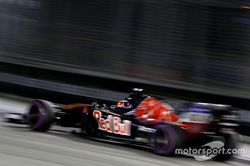 9. Daniil Kvyat, Scuderia Toro Rosso STR11