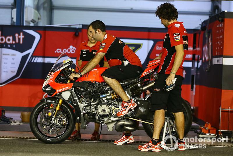 Chaz Davies, Aruba.it Racing-Ducati SBK Team bike