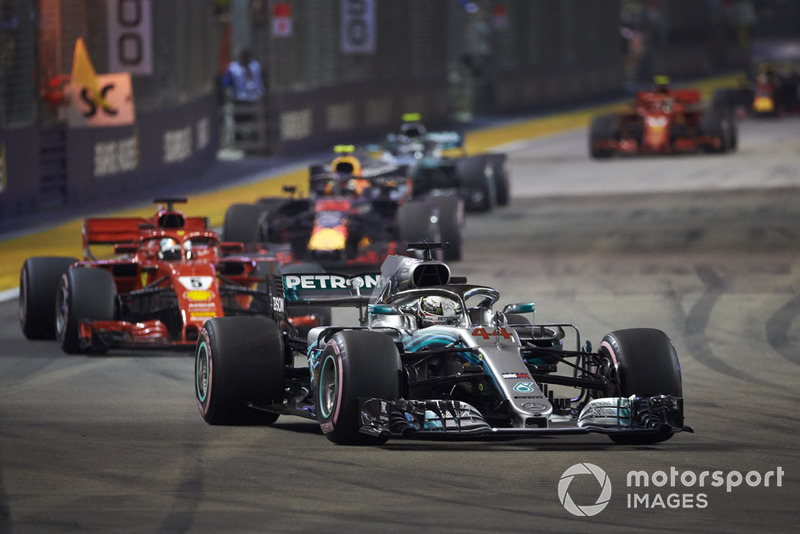 Lewis Hamilton, Mercedes AMG F1 W09 EQ Power+, Sebastian Vettel, Ferrari SF71H, Max Verstappen, Red Bull Racing RB14, y Valtteri Bottas, Mercedes AMG F1 W09 EQ Power+