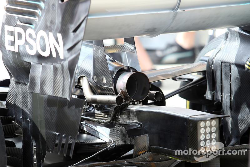 Mercedes AMG F1 W09, kipufogó