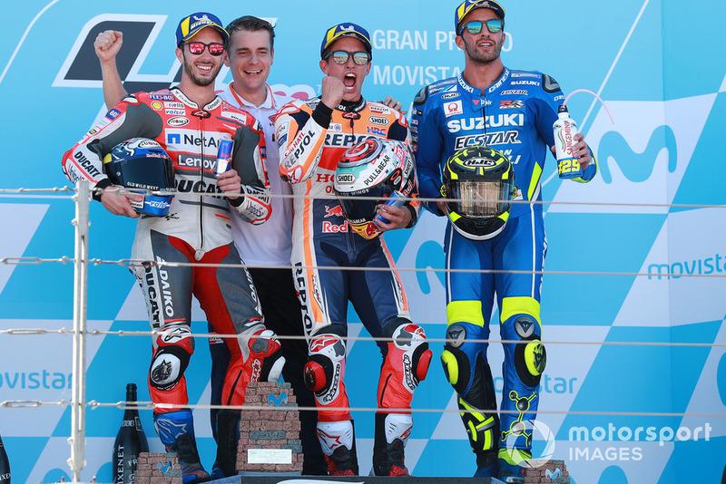 Podio: ganador de la carrera Marc Márquez, Repsol Honda Team, segundo puesto Andrea Dovizioso, Ducati Team, tercer puesto Andrea Iannone, Team Suzuki MotoGP