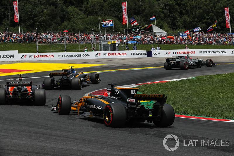 Кевін Магнуссен, Haas F1 Team VF-17, старт гонки