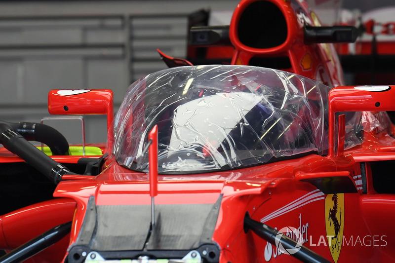 Ferrari SF70-H con el escudo de la cabina