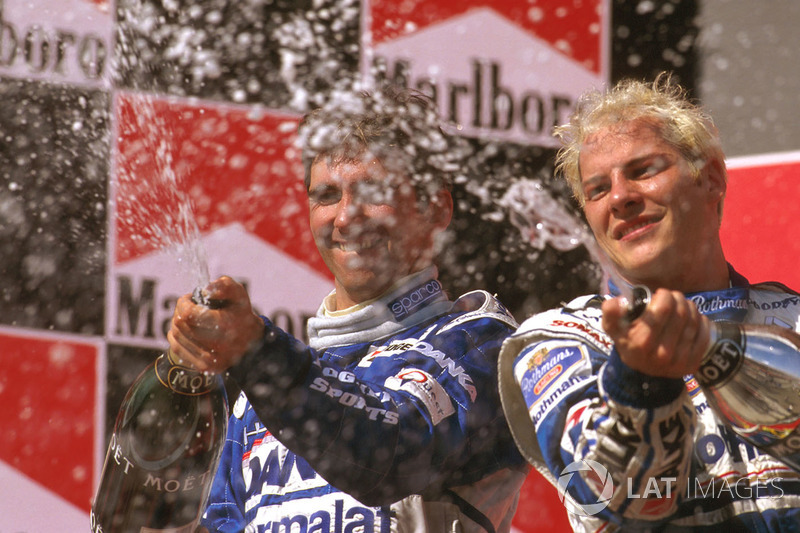 Подіум: 1. Жак Вільньов, Williams-Renault. 2. Деймон Хілл, Arrows-Yamaha