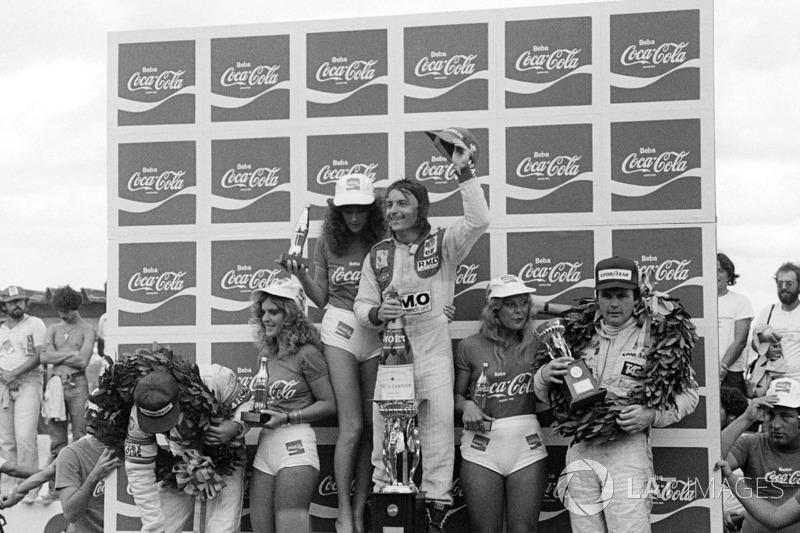 1980. Інтерлагос. Подіум: 1. Рене Арну, Renault. 2. Еліо де Анжеліс, Lotus Ford Cosworth. 3. Алан Джонс, Williams Ford Cosworth