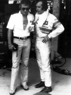 Ligier designer, Gerard Ducarouge chats to Emerson Fittipaldi, Copersucar F5A-Ford