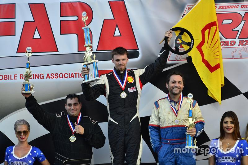 #112 MP4B Mazda Miata driven by Paulo De Bastos of TR3 Motorsports, #188 MP2A Porsche 991 Carrera dr