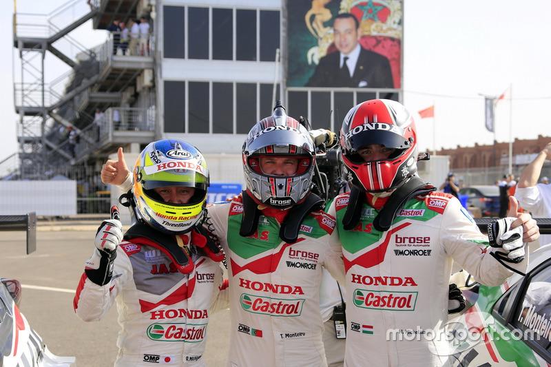 Ryo Michigami, Honda Racing Team JAS, Honda Civic WTCC; Tiago Monteiro, Honda Racing Team JAS, Honda Civic WTCC; Norbert Michelisz, Honda Racing Team JAS, Honda Civic WTCC