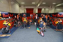 Box: Red Bull KTM Factory Racing