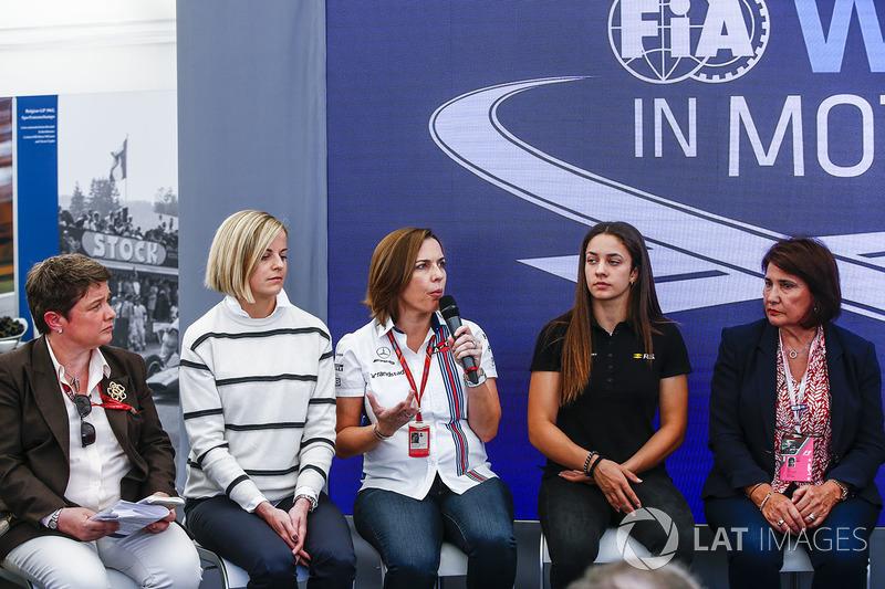Susie Wolff, Claire Williams, Subdirector del equipo, Williams, Marta Garcia, Renault Sport F1 Team Sport Academy, Michelle Mouton, en la Conferencia de prensa de mujeres en Motorsport
