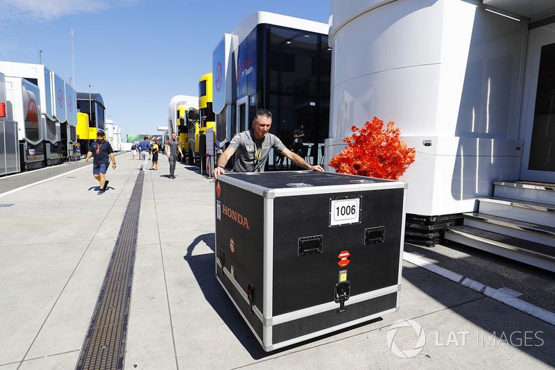 Contenedor de McLaren Honda