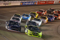 Brad Keselowski, Team Penske Ford und Brennan Poole, Chip Ganassi Racing Chevrolet
