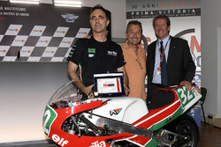 Президент итальянской мотоциклетной федерации Джованни Копиоли на праздновании 30-летия первой победы Aprilia Racing Team Gresini
