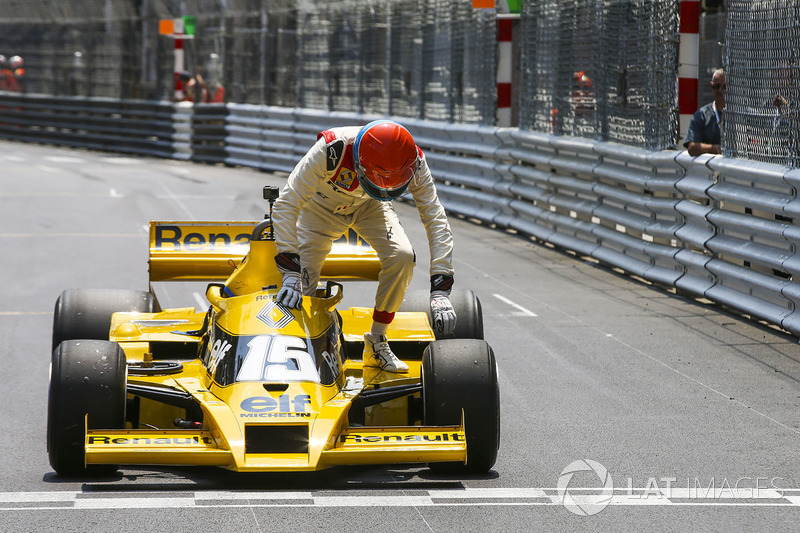 jean pierre jabouille renault sport f1 team rs01 at monaco gp. Black Bedroom Furniture Sets. Home Design Ideas