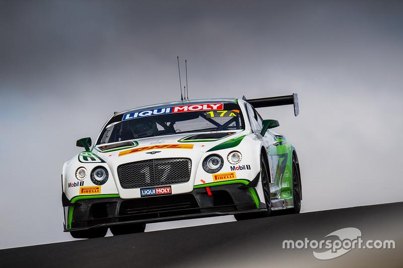 #17 Bentley Team M-Sport, Bentley Continential GT3: Andy Soucek, Maxime