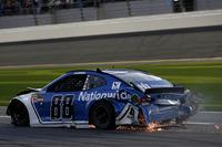Crash: Alex Bowman, Hendrick Motorsports Chevrolet Camaro