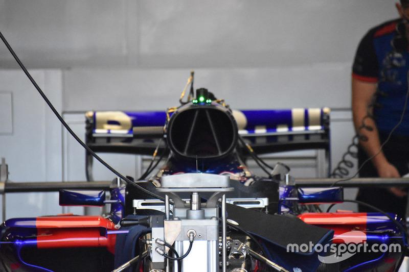 Scuderia Toro Rosso STR13 front detail