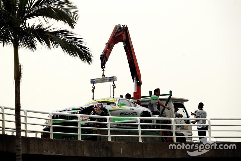 El coche chocado de Daniel Juncadella, Mercedes-AMG Team Driving Academy, Mercedes - AMG GT3