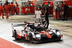 Ganadores de la carrera #8 Toyota Gazoo Racing Toyota TS050-Hybrid: Sebastien Buemi, Anthony Davidson, Kazuki Nakajima