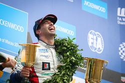 Podium: Race winner Mehdi Bennani, Sébastien Loeb Racing, Citroën C-Elysée WTCC