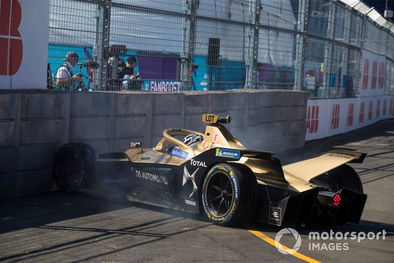 Andre Lotterer, DS TECHEETAH, DS E-Tense FE19 hits the barrier