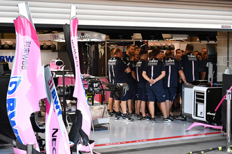 Force India F1 garage meeting