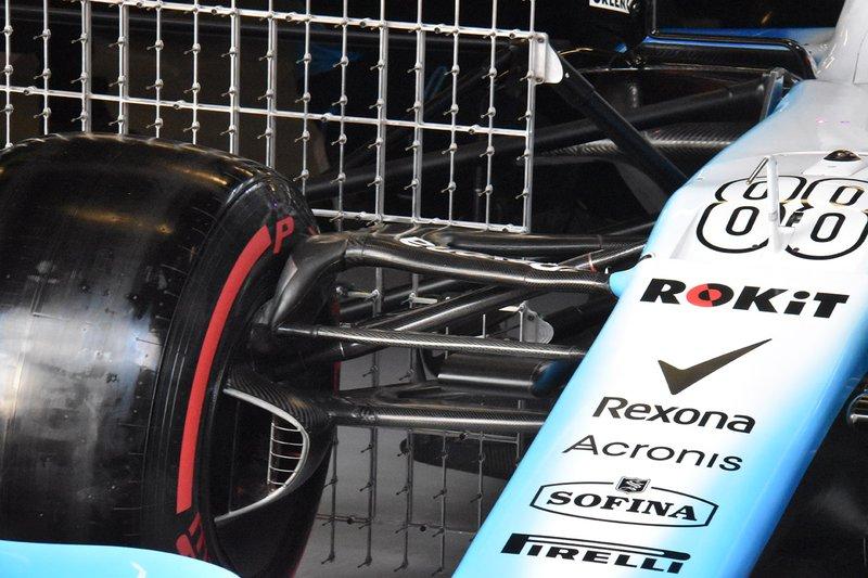 Williams FW42, dettaglio della sospensione anteriore