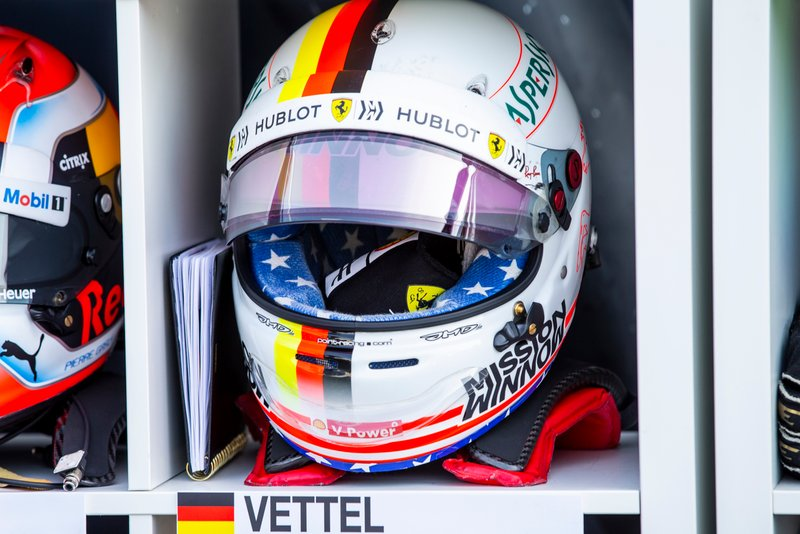 Casco de Sebastian Vettel