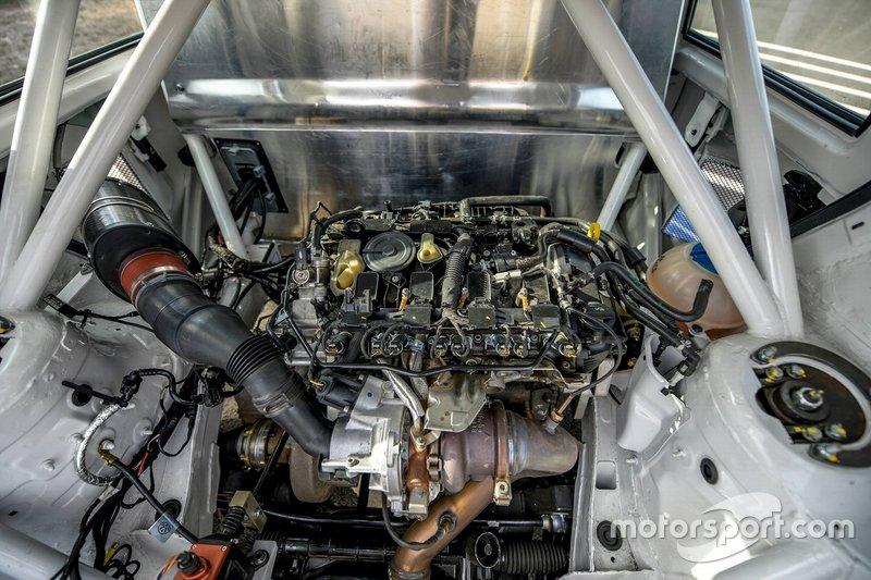 Volkswagen Polo RX engine detail