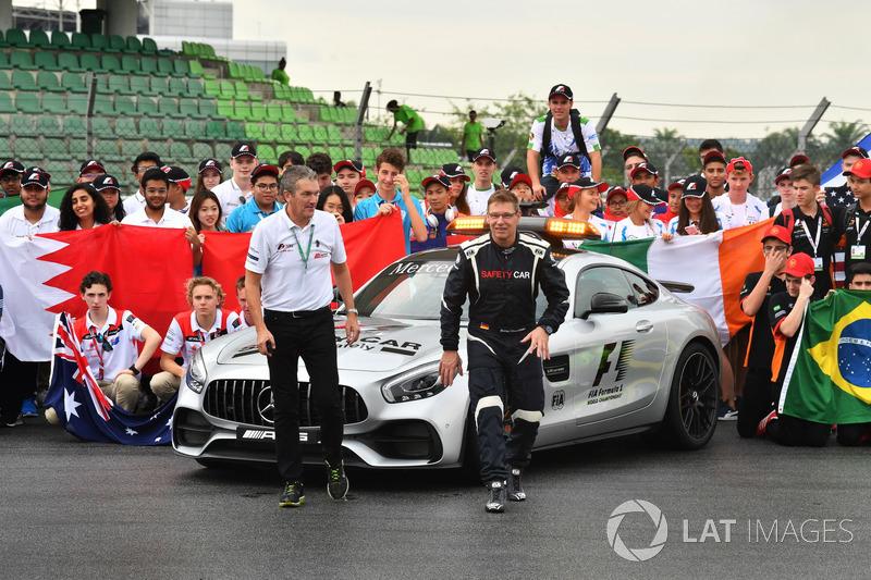 Andrew Denford, Bernd Maylander, FIA Güvenlik aracı sürücüsü, F1 okullarda etkinliğinde