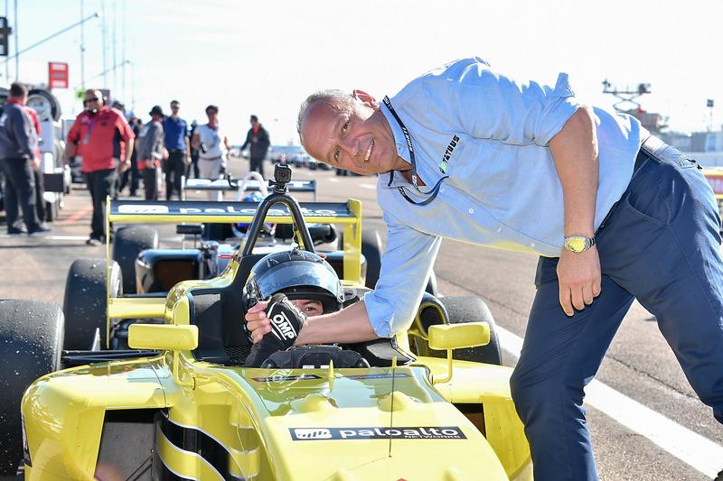 Ganador de la carrera Robert Megennis, Team Pelfrey
