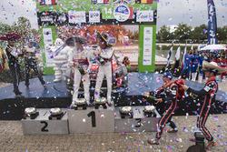 Podium: 1. Kris Meeke, Paul Nagle, Citroën World Rally Team; 2. Sébastien Ogier, Julien Ingrassia, M-Sport; 3. Thierry Neuville, Nicolas Gilsoul, Hyundai Motorsport