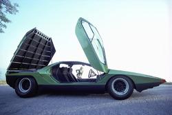 Bertone Carabo, построенный на базе Alfa Romeo 33 Stradale