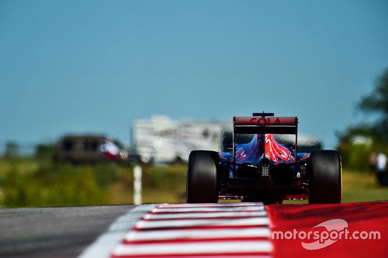 10. Carlos Sainz Jr, Scuderia Toro Rosso STR11