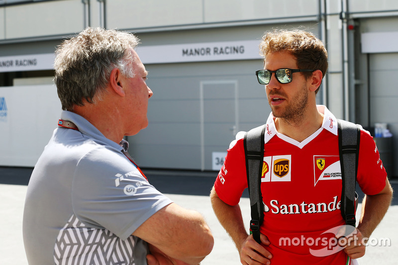 Директор Manor Racing Racing Дейв Райан разом зі Себастьяном Феттелем, Ferrari