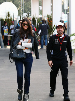 Fernando Alonso, McLaren with his girlfriend Linda Morselli