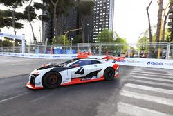 Машина Audi e-Tron на треку
