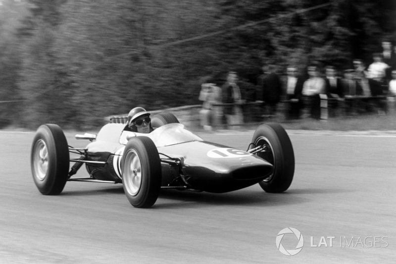 В 1962 году на Гран При Мексики было сразу два победителя, деливших одну машину – ими стали Тревор Тейлор и Джим Кларк. Это последний подобный случай в истории Формулы 1