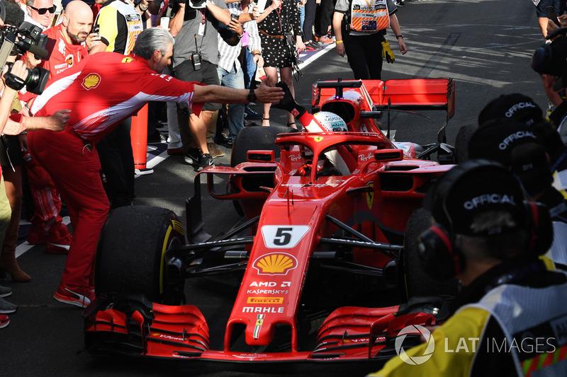 Race winner Sebastian Vettel, Ferrari SF71H celebrates in parc ferme with Maurizio Arrivabene, Ferra