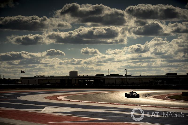 15. Стоффель Вандорн, McLaren MCL32 - 13