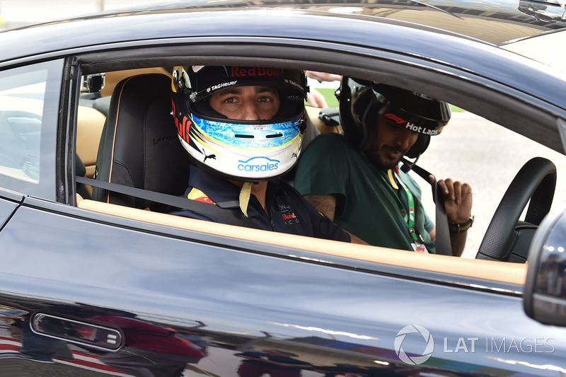 Daniel Ricciardo, Red Bull Racing en Pirelli Hot Laps