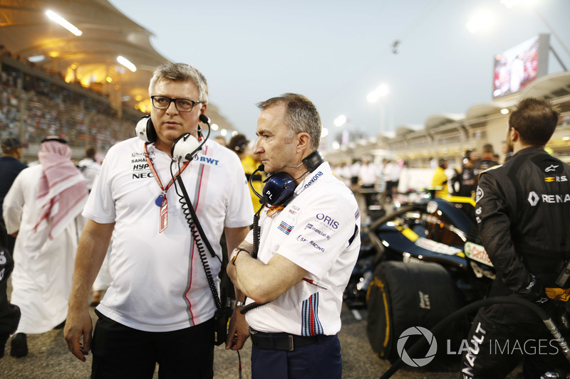 Otmar Szafnauer, Chief Operating Officer, Force India, with Paddy Lowe, Williams Martini Racing Form