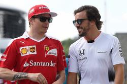 Kimi Raikkonen, Ferrari ve Fernando Alonso, McLaren