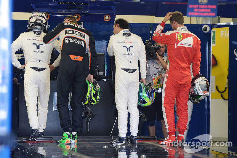 Valtteri Bottas, Williams; Nico Hulkenberg, Sahara Force India F1; Felipe Massa, Williams; y Sebastian Vettel, Ferrari en parc ferme