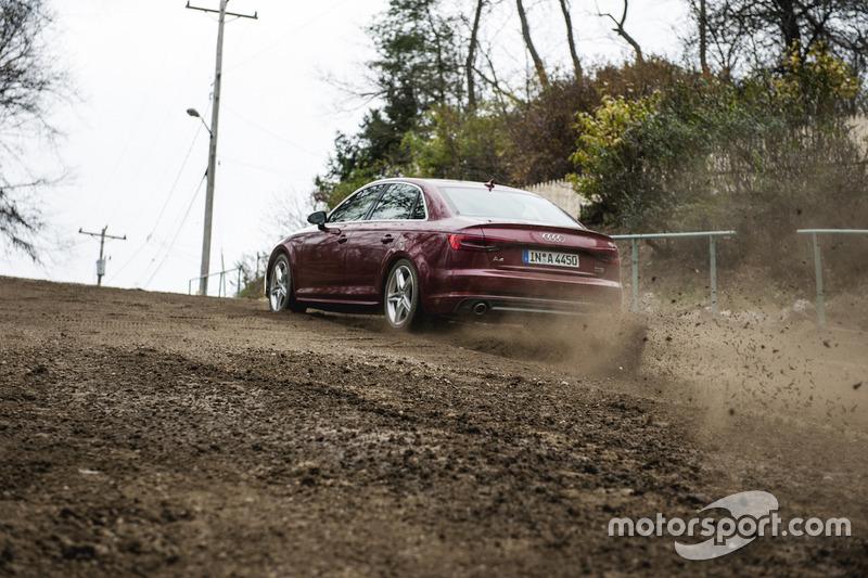 Mattias Ekström testet den Audi A4