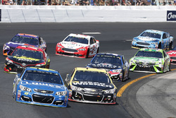 Jimmie Johnson, Hendrick Motorsports Chevrolet, Jamie McMurray, Chip Ganassi Racing Chevrolet