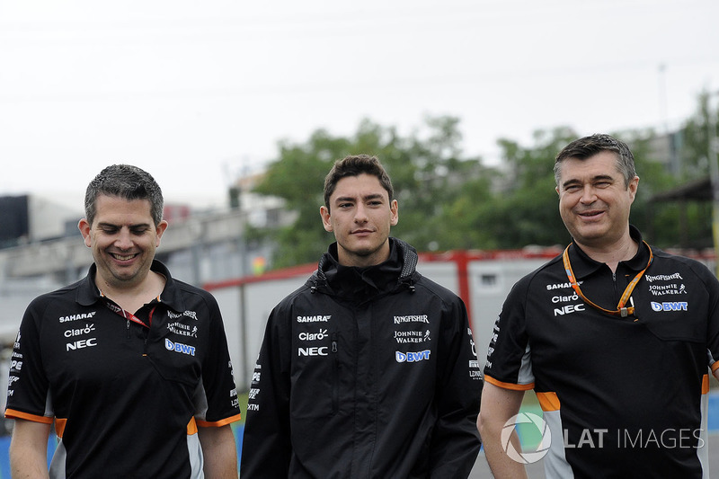 Alfonso Celis jr, Force India Test Driver walks the track with Bradley Joyce, Force India Engineer