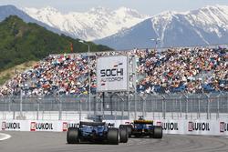 Lewis Hamilton, Mercedes AMG F1 W08, chases Nico Hulkenberg, Renault Sport F1 Team RS17