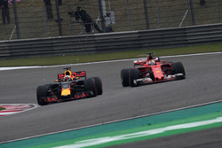 Себастьян Феттель, Ferrari SF70-H, Даніель Ріккардо, Red Bull Racing RB13