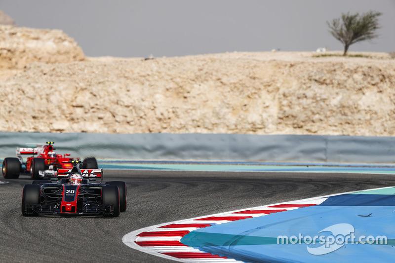 Kevin Magnussen, Haas F1 Team VF-17, Kimi Raikkonen, Ferrari SF70H